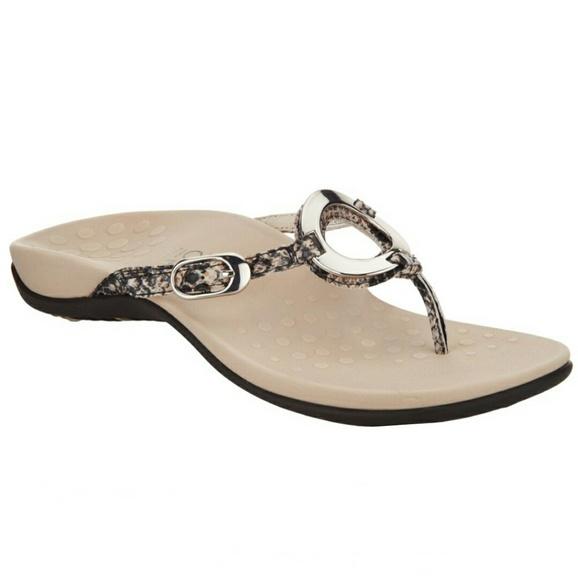 1a7d3fc5509c Vionic Karina Natural Snake Sandal Flip Flop 9. M 5cb11c9ad40008f84a5d63e4